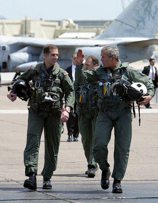 Bush flight suit May 1 2003