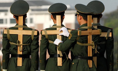 chinese-soldiers-with-cross
