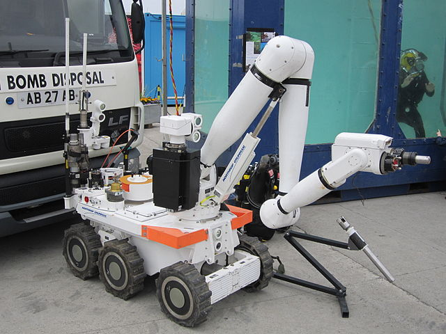 Bomb_disposal_robot,_Liverpool