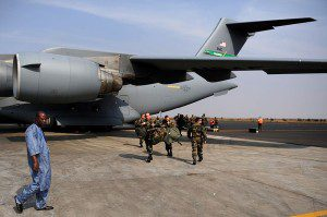 800px-French_troops_arrive_in_Mali_130123-F-GO452-629